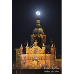 Uspenski Cathedral supermoonset - Canvas print