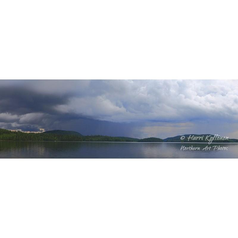 Lähestyvä myrsky II - Tapetti