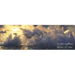 Lumihiutaleet jäällä - Juliste