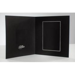 Neliökiitoskortti musta, hopea teksti ja reunus